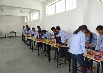 Salad Competition in College